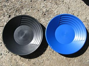 Black plastic gold pan and blue plastic gold pan